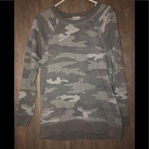 AE Crew Neck Sweatshirt • size M • worn once